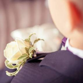 avalanche rose buttonhole by Your London Florist