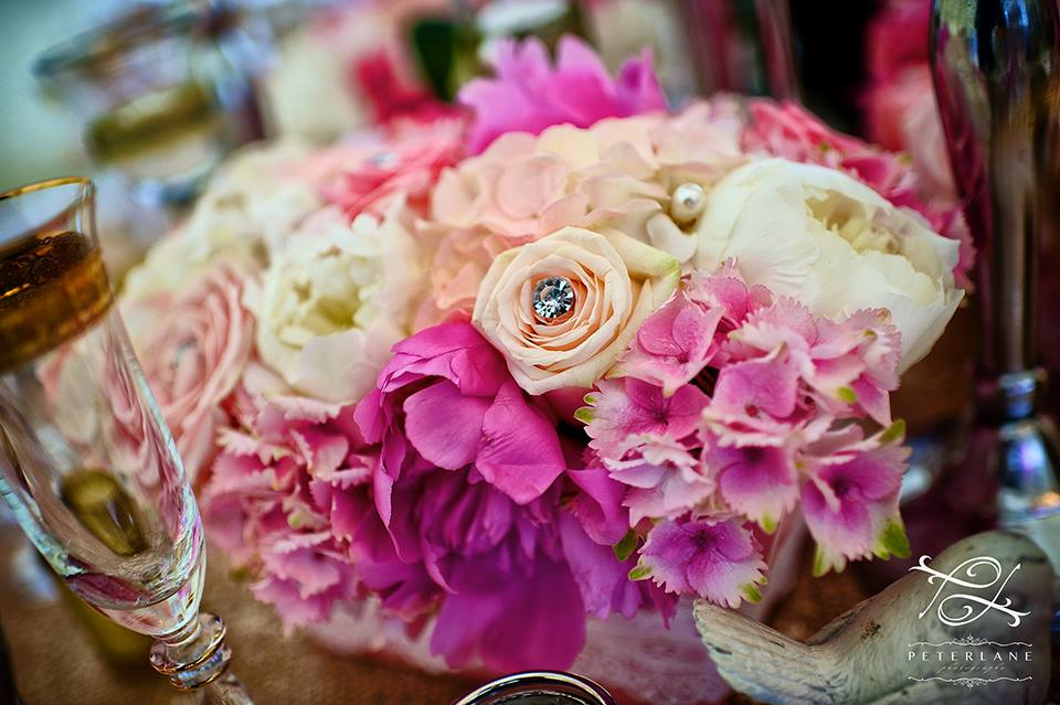 roses, hydrangeas and peonies table arrangement