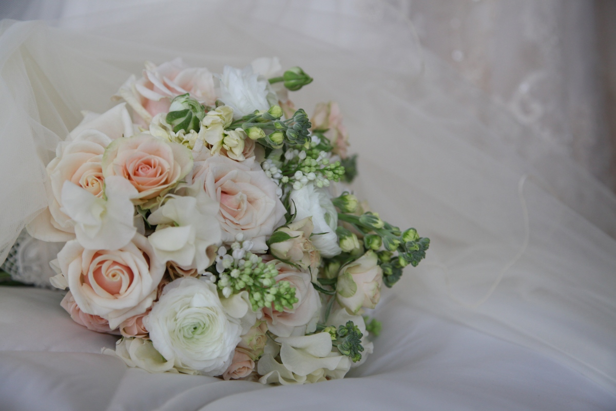 vintage wedding bouquet by Your London Florist