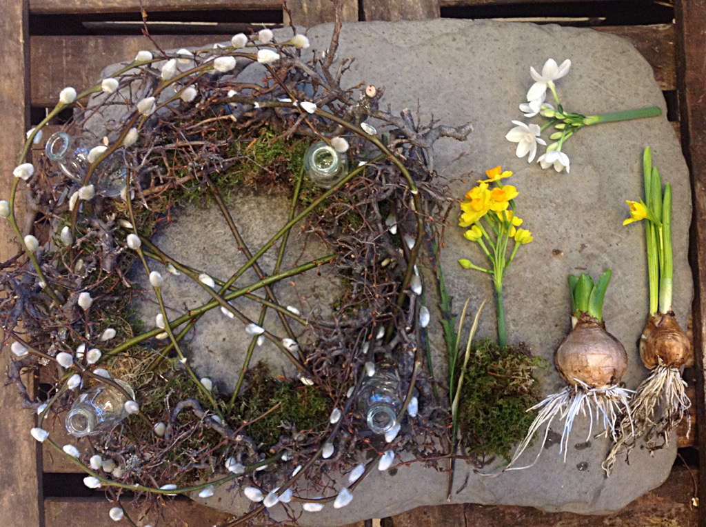 easter wreath table arrangement